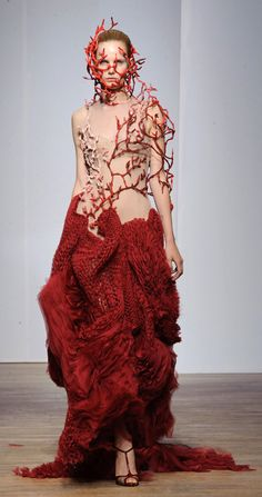 Robe branches de corail - Yiqing Yin – Haute Couture – Automne 2013.