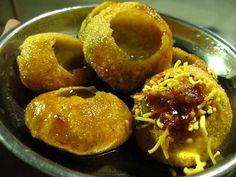 Fuchka or,Panipuri or,Golgappe. Mumbai Street Food, Indian Street Food, Best Street Food, My Favorite Food, Favorite Recipes, Tamarind Chutney, Indian Food Recipes, Ethnic Recipes, Indian Foods