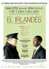 """En """"El irlandés"""" conoceremos a Gerry Boyle (Brendan Gleeson), un policía de un pequeño pueblo irlandés que posee una personalidad conflictiva y un sentido del humor subversivo. Su madre se está muriendo, si bien ello no le impide disfrutar de su principal """"afición"""": las prostitutas. No es de extrañar que, cuando su camino se cruce con el del agente del FBI Wendell Everett (Don Cheadle)."""