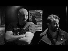 Dead Combo - A Bunch of Meninos      Dead Combo é uma banda portuguesa cujas principais influências musicais são o Fado, o Rock, as bandas sonoras dos Westerns, bem como música da América do Sul e de África. A banda é constituída por dois membros apenas: Tó Trips (guitarras) e Pedro V. Gonçalves (contrabaixo, kazoo, melódica e guitarras).
