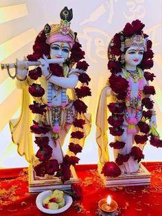 Krishna Hindu, Jai Shree Krishna, Radhe Krishna, Lord Krishna, Radha Krishna Wallpaper, Laddu Gopal, Krishna Images, Indian Gods, Hinduism