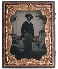 1860s-CIVIL-WAR-TINTYPE-PHOTO-OF-US-NAVY-SAILOR-QUARTER-PLATE-w-FLAG-BACKDROP