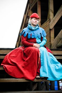 Mi-parti medieval two-colour dress14c Europe от MedievalAvellana