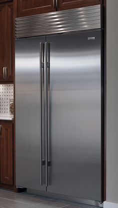 Sub-Zero refrigerators with internal ice and water dispenser ...