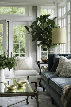 38 + wunderbare französische Land Wohnzimmer Dekor Ideen – Country Clothes for Women – Mixer wonderful French country living room decor ideas – country clothes for women – pictures living room colors French Country Rug, French Country Living Room, French Country Decorating, Country Style, French Country Interiors, Country Kitchen, Country Bedrooms, French Cottage, Modern Country