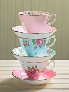 Lovely Vintage Tea Cups _ Saucers