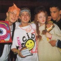 Rave Culture & Acid House: the beginning of the revolution - Techno Station Diy Outfits, Grunge Outfits, Outfits Casual, 90s Fashion Grunge, Style Outfits, Rave Outfits, Hippie Fashion, 90s Grunge, Fashion Kids