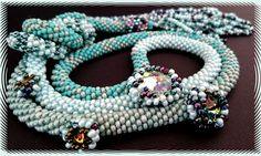 Naszyjnik ze szklanych koralików, swarovski, długi, efektowny, Facebook: Cristallin sutasz i koraliki