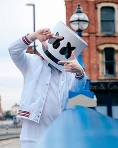 Marshmello _ We love them Iphone Wallpaper Music, Joker Hd Wallpaper, Hacker Wallpaper, Cartoon Wallpaper Hd, Hd Phone Wallpapers, Hipster Wallpaper, Phone Screen Wallpaper, Joker Wallpapers, Man Wallpaper