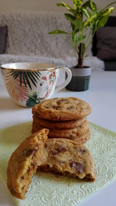Mehevä punaviinimarjapiirakka Pancakes, French Toast, Diy And Crafts, Breakfast, Food, Morning Coffee, Meal, Crepes, Essen