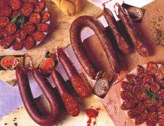 Chorizos blanco y rojo de herradura  http://www.uco.es/organiza/departamentos/prod-animal/economia/dehesa/chorizo.htm