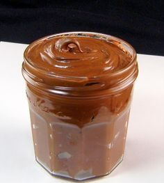 Homemade Nutella - thermomix I have to try this. We go thru so much Nutella! Köstliche Desserts, Delicious Desserts, Dessert Recipes, Yummy Food, Dessert Healthy, Think Food, Love Food, Salsa Dulce, Kolaci I Torte