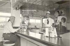 A 23 year old Bob Wian mans the counter at original Bob's Big Boy (Pantry), 900 E Colorado, Glendale, CA. Big Boy Restaurants, Cafe Counter, Boys Home, Southern California, California History, Riverside Drive, San Luis Obispo County, Vintage Restaurant, Historical Landmarks