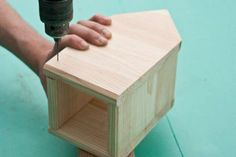 This diy step by step article is about how to build a bird house. Building bird houses out of wood is easy if you use the right decorative free plans and proper tools. Bird House Plans Free, Bird House Kits, Homemade Bird Houses, Bird Houses Diy, Building Bird Houses, Building A House, How To Build Abs, Bird House Feeder, Bird Feeders