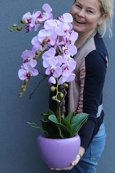 Silk Orchids, Purple Orchids, Orchid Flower Arrangements, Morning Flowers, Vintage Vases, All Flowers, Flower Decorations, Flower Art, Planting Flowers