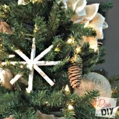 Pinecone crafts can add a rustic touch to your Christmas tree! These DIY pinecone ornaments have a quick and simple paint dipped rustic modern look! Easy Burlap Wreath, Burlap Wreath Tutorial, Burlap Swag, Burlap Bows, Christmas Diy, Christmas Decorations, Christmas Ornaments, Holiday Decor, Country Christmas