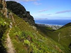 Hiking trail in Fernkloof Nature Reserve in - Whale Coast - South Africa. Sa Tourism, Time For Africa, Places To Travel, Places To Visit, Egypt Culture, Visit Egypt, Seaside Village, Nature Reserve, Heaven On Earth