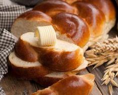 Brioche vendéenne légère à la fleur d'oranger : http://www.fourchette-et-bikini.fr/recettes/recettes-minceur/brioche-vendeenne-legere-la-fleur-doranger.html
