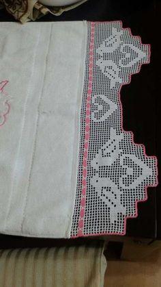 Aprende Como tejer a Crochet facil Mariposas en con alas de Colores- How to Crochet butterfly - Poncho Crochet Filet Crochet, Crochet Stitches, Crochet Clothes, Crochet Toys, Baby Knitting Patterns, Crochet Boarders, Crochet Simple, Crochet Butterfly, Embroidery