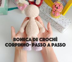 Amigurumi: What is it? Materials and Step by Step Crochet Doll Tutorial, Amigurumi Tutorial, Crochet Amigurumi, Crochet Bear, Crochet Gifts, Amigurumi Doll, Crochet Toys, Crochet Dolls Free Patterns, Amigurumi Patterns