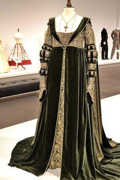 Movie costume dress, style of Venetian 1490s (Cranach sketches)