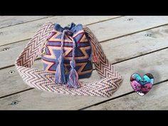 How to Crochet Wayuu Bag Colombia Tutorial Lidia Crochet Tricot, Knit Crochet, Free Crochet, Crochet Handbags, Crochet Purses, Macrame Patterns, Crochet Patterns, Finger Weaving, Mochila Crochet