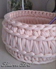 вязание - Her Crochet Crochet Bowl, Love Crochet, Learn To Crochet, Crochet Yarn, Crochet Stitches, Crochet Storage, Knit Basket, Crochet Baskets, Double Crochet