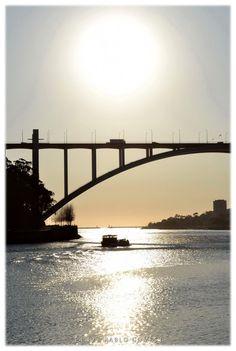 Ponte da Arrábida / Puente de Arrábida / Arrábida Bridge [2012 - Gaia + Porto / Oporto - Portugal] #fotografia #fotografias #photography #foto #fotos #photo #photos #local #locais #locals #cidade #cidades #ciudad #ciudades #city #cities #europa #europe #rio #rios #river #rivers #barco #barcos #boat #boats #douro #duero @Visit Portugal @ePortugal @WeBook Porto @OPORTO COOL @Oporto Lobers