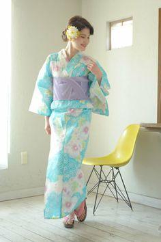 ボヌールセゾンリュクスシリーズの女性浴衣(モデル:佐藤智恵子ちゃん)