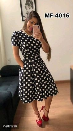 Swans Style is the top online fashion store for women. Shop sexy club dresses, jeans, shoes, bodysuits, skirts and more. Trend Fashion, Hijab Fashion, Fashion Dresses, Best Prom Dresses, Nice Dresses, Casual Dresses, Modest Outfits, Classy Outfits, Dress Outfits