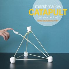 Marshmallow Catapult DIY - Things to Make and Do, Crafts and Activities for Kids - The Crafty Crow // activities for boys Kid Science, Science Centers, Preschool Science, Science Education, Science Experiments, Summer Fun For Kids, Cool Kids, Craft Activities For Kids, Projects For Kids