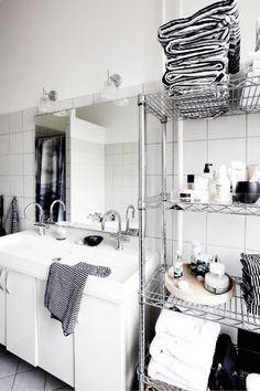 Love this kind of shelving in the bathroom