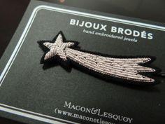 Faîtes un voeu! Barrette brodée main en cannetille, Macon & Lesquoy. http://hicetnunc-store.com/le-store/91-barrette-et-pince-a-cheveux