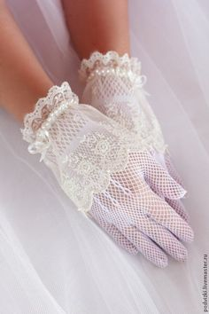 Vintage white gloves knitted simple dainty fancy tea party dress up