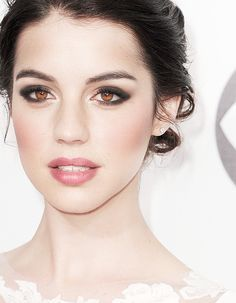 adelaide kane - hair, makeup and, of course, her beautiful eye color!
