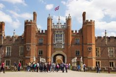 A Guide to Visiting London's Hampton Court Palace: Hampton Court Palace Introduction