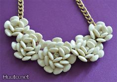 White flower necklace $18 + worldwide shipping #summer #spring #accessory #fashion #statement #jewelry