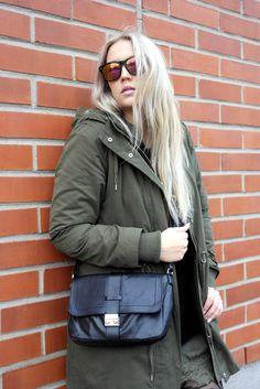 Enemmän asusta blogissani: http://lifeisbeautifuland.blogspot.fi/2014/12/say-it-with-letters.html
