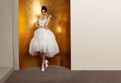 Você que vai que se casar em 2015, deve estar buscando inspiração para seu look de noiva. Que tal inovar e apostar em um vestido de noiva curto? Preparem as pernas, porque os vestidos curtos também estão nas tendências para vestidos de noiva 2015.