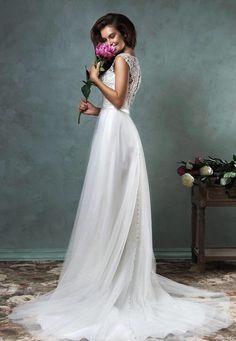 Elegante trouwjurk met rok van chiffon en lijfje van kant