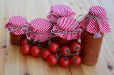 Fotorecept na nejlepší domácí kečup – Príma receptář.cz Cherry, Gift Wrapping, Fruit, Vegetables, Gifts, Food, Gift Wrapping Paper, Presents, Wrapping Gifts