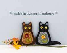 Felt Dogs, Felt Cat, Felt Christmas Ornaments, Dog Ornaments, Felt Ornaments Patterns, Embroidery Thread, Floral Embroidery, Pom Pom Crafts, Cat Crafts