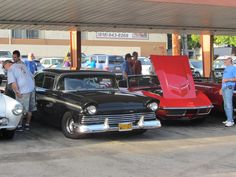 A great shot of an older Ranchero at Bob's Big Boys in Burbank, Ca