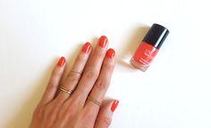 @lucieroselevesq is wearing the limited edition #EscaleLW nail polish in Récif. | @lucieroselevesq porte le vernis à ongles dans la nuance Récif.