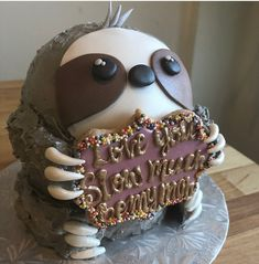 The most adorable cake sloth ever! Ill take one for my b-day please! The most adorable cake sloth ever! Ill take one for my b-day please! Cupcakes, Cake Cookies, Cupcake Cakes, Beautiful Cakes, Amazing Cakes, Sloth Cakes, Fantasy Cake, Animal Cakes, Gateaux Cake