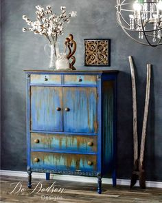 """I didn't know I had a rust obsession until this happened! It's crazy cool and so much fun to create funky finishes on furniture that are not the norm. That's me! Not the norm. I always say.... """"Be you, be your own style"""" . . . . . . . #furnituremakeover #repurposed #paintedfurniture #upcycled #repurpose #rust #patina #rusty #tutorial #dododsondesigns"""