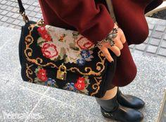 Manteau: Banafsheh Nazarian Leggings: H&M Handbag: Dolce & Gabbana Boots: Yargici Bracelet: Zeynep Henif
