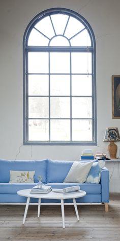 Bemz cover for Karlstad 3 seater sofa, fabric Light Denim Blue Belgian Linen Blend. Bemz cushion covers: Unbleached Belgian Linen Blend. www.bemz.com