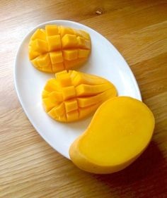 Ataulfo mango (aka champagne mango, honey mango, yellow mango.)  My favorite kind of mango.