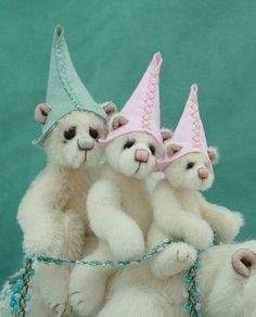 Pipkins Bears commission bears wandering star, via Flickr.